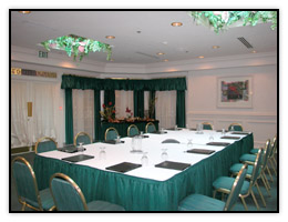 A small casual Cocoa Beach hotel meeting Room