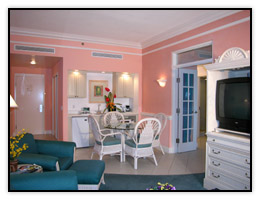 A Whirlpool Suite living room near Port Canaveral
